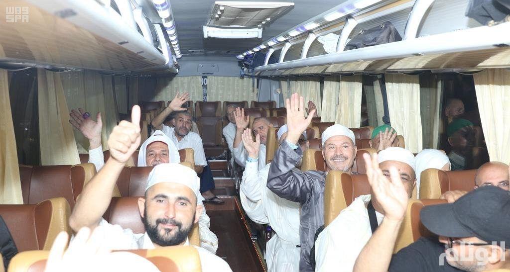 5230 حاجًا من ضيوف خادم الحرمين الشريفين يغادرون المدينة المنورة