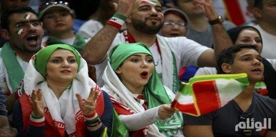 """إيران: انتحار فتاة خوفا من السجن بسبب محاولة دخول ملعب لـ""""كرة القدم"""""""