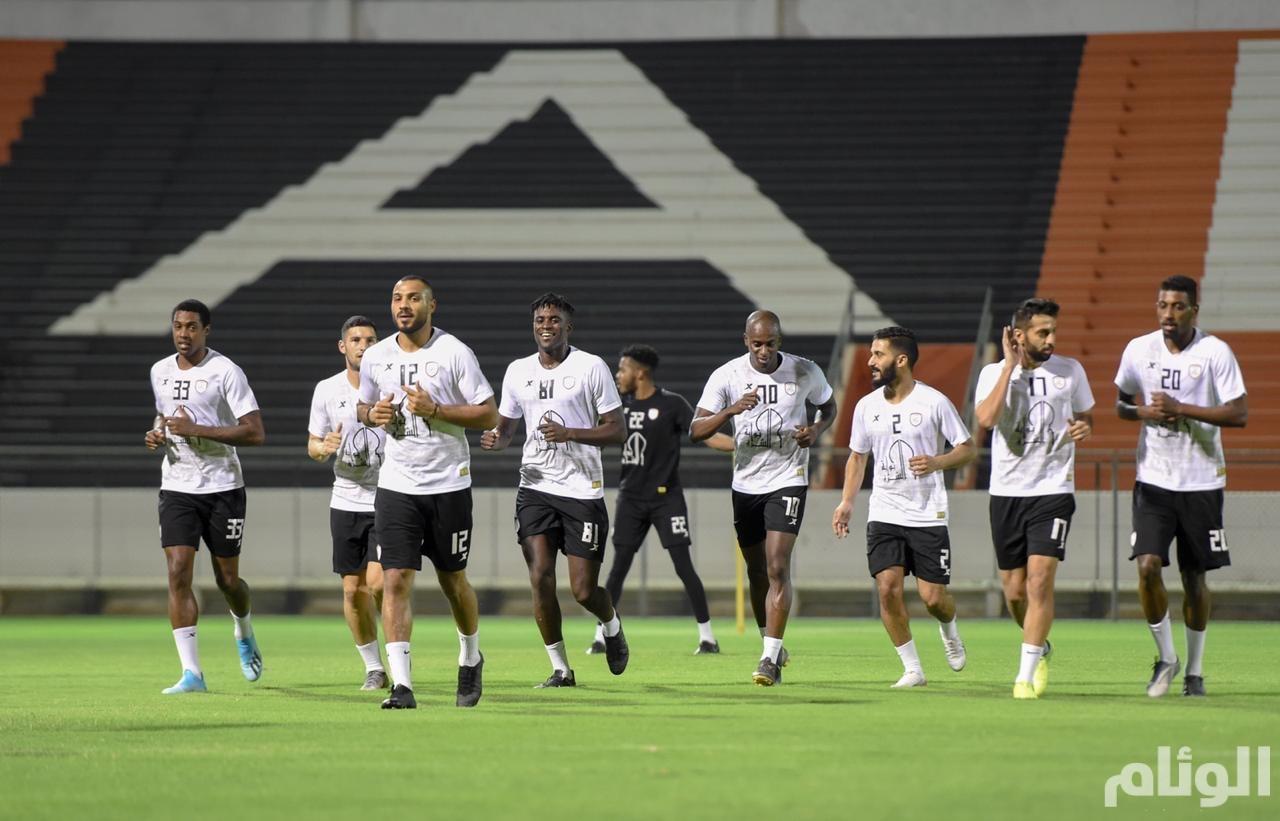الشباب يستأنف تدريباته للقاء النصر الجمعة المقبل