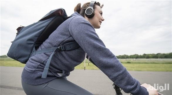 تحذير: السماعات ترفع خطر الحوادث