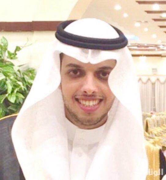 «سعود» يضئ منزل الدكتور فيصل القرني