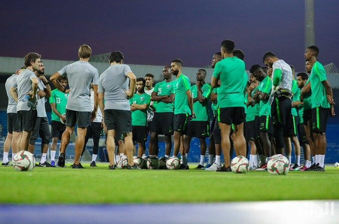 المنتخب السعودي يجرى أولى تدريباته في البحرين