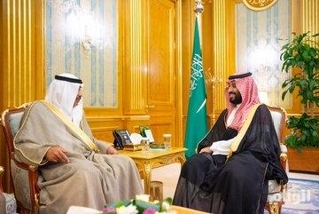 ولي العهد يستعرض مع وزير الخارجية الكويتي العلاقات الأخوية بين البلدين