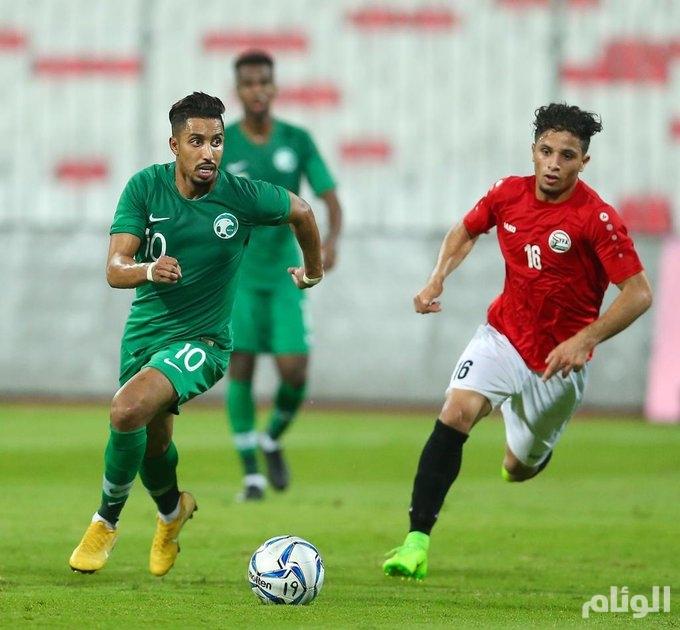 بداية مخيبة.. الأخضر ينجو بالتعادل أمام اليمن