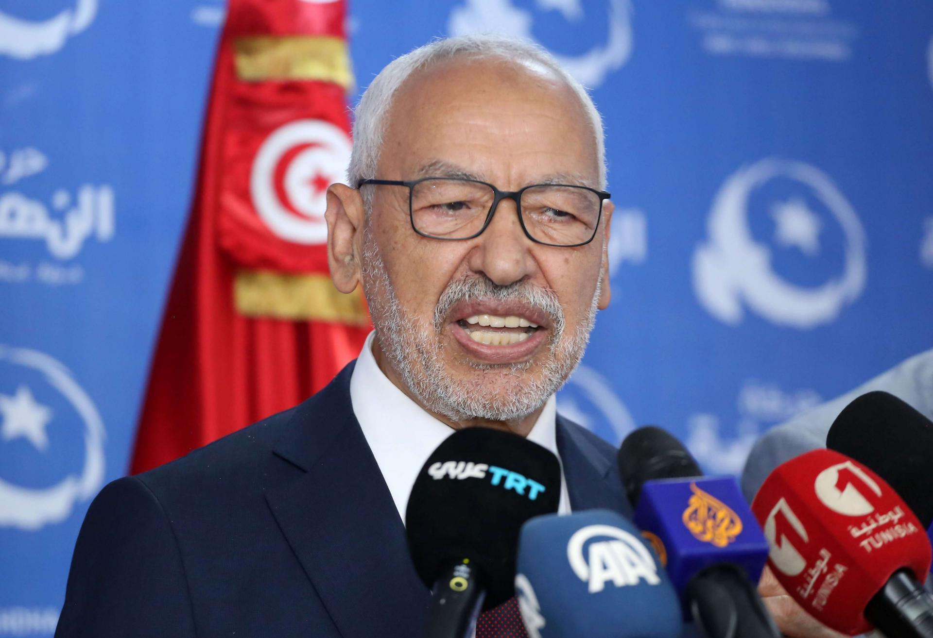 عاجل… استقالة 113 قيادياً وعضواً من حركة النهضة التونسية