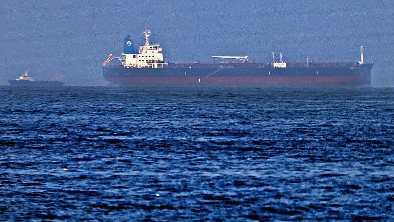 إنتهاء حادثة الناقلة النفطية بعد مغادرة الخاطفين قبالة شواطئ الإمارات